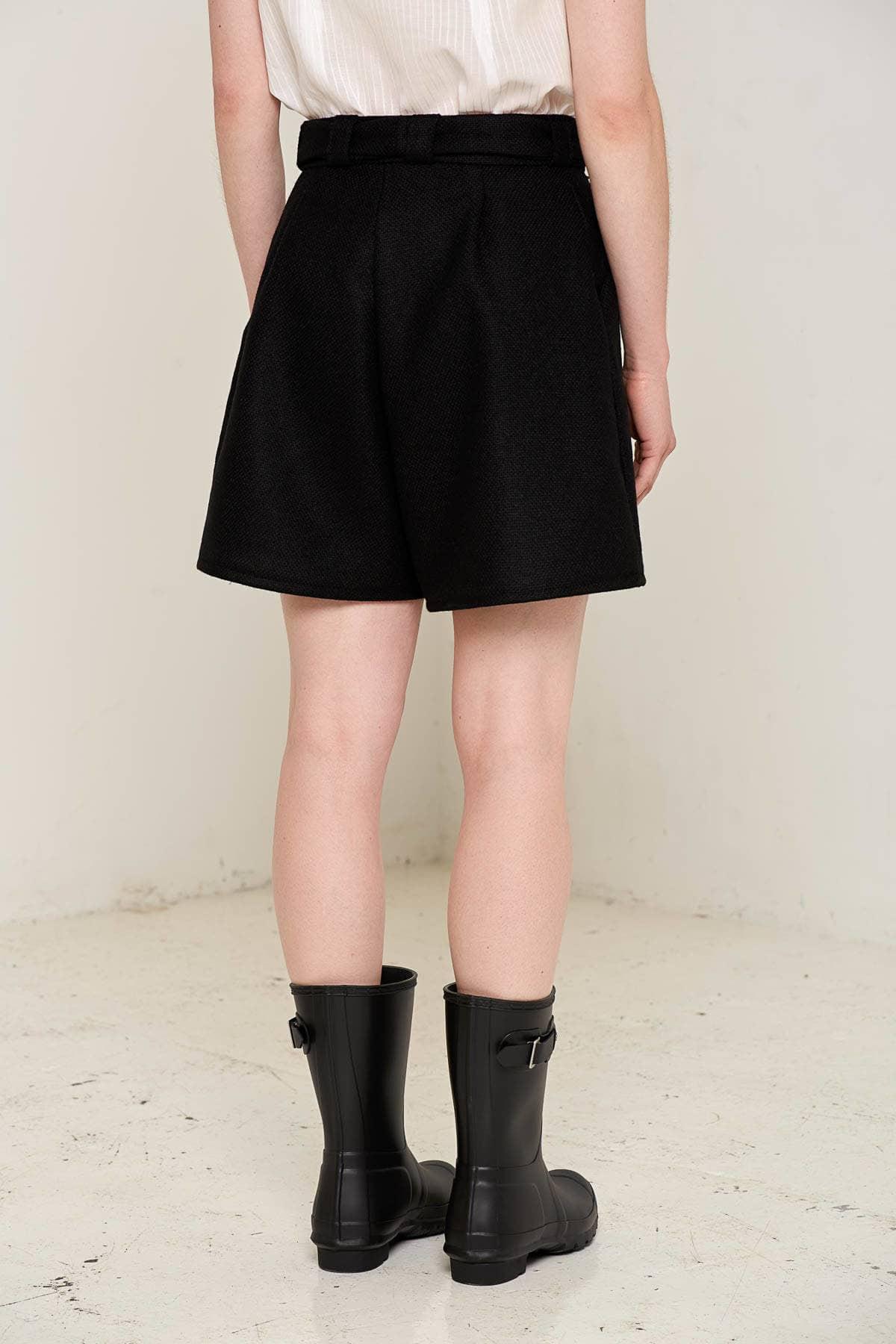 Doralis Wool Shorts Black Back