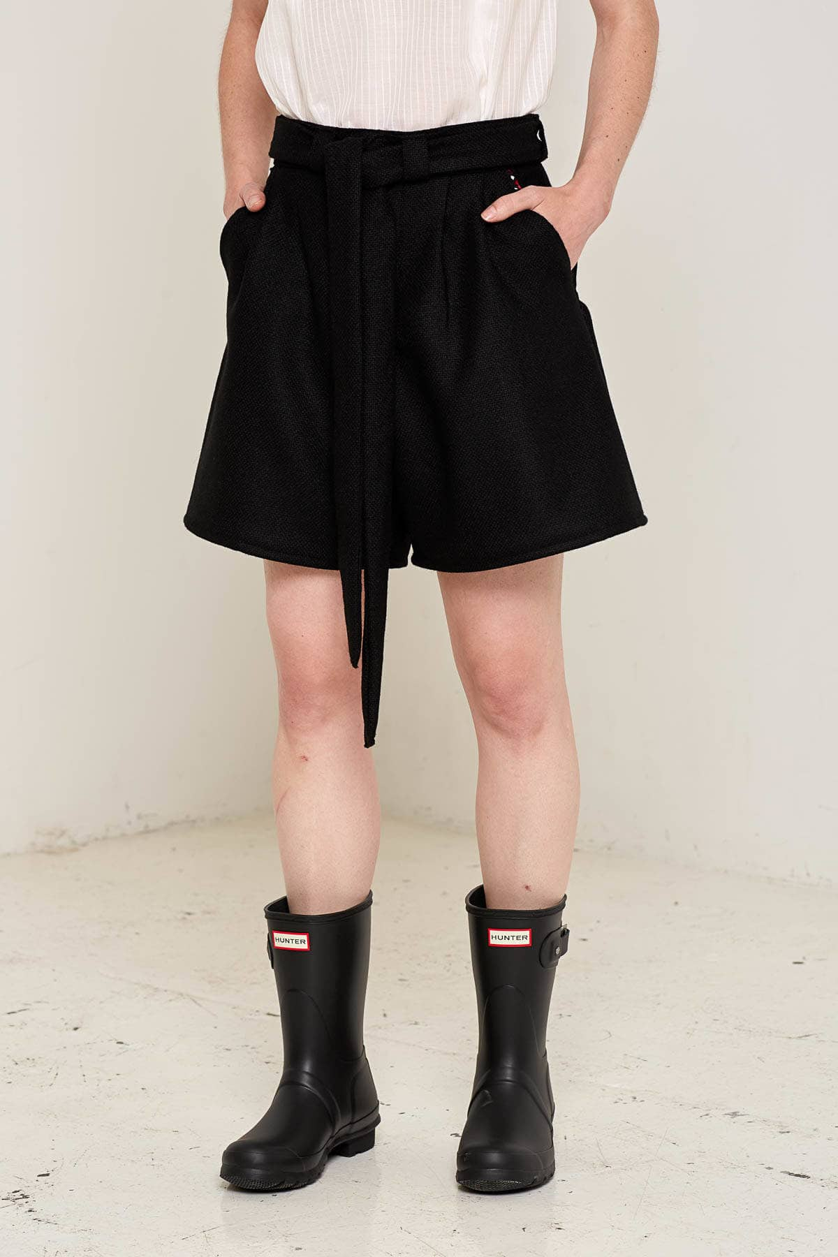 Doralis Wool Shorts Black Front