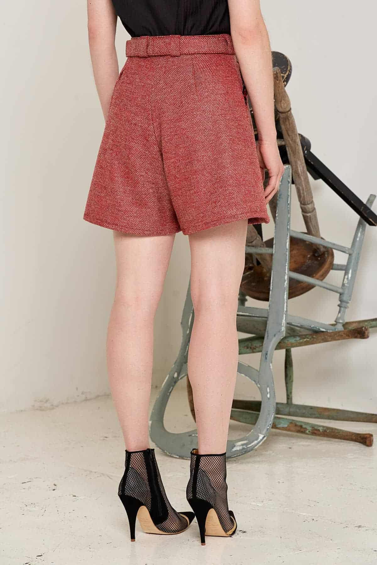 Doralis Wool Shorts Red Back