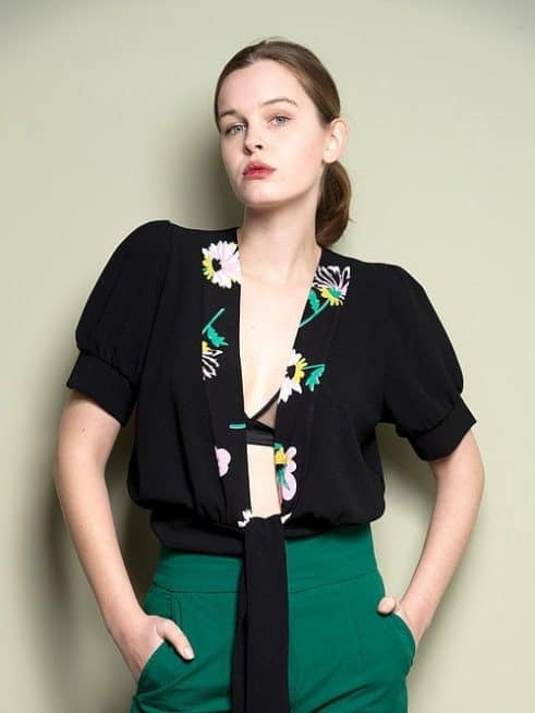 Open Front Top With Floral Detail And Short Puff Sleeves Font